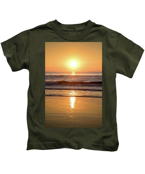 Sunrise At Surfers Paradise Kids T-Shirt
