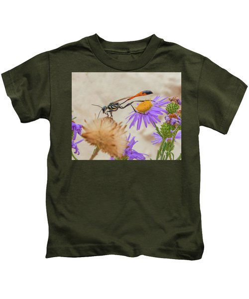 Wasp At White Sands Kids T-Shirt
