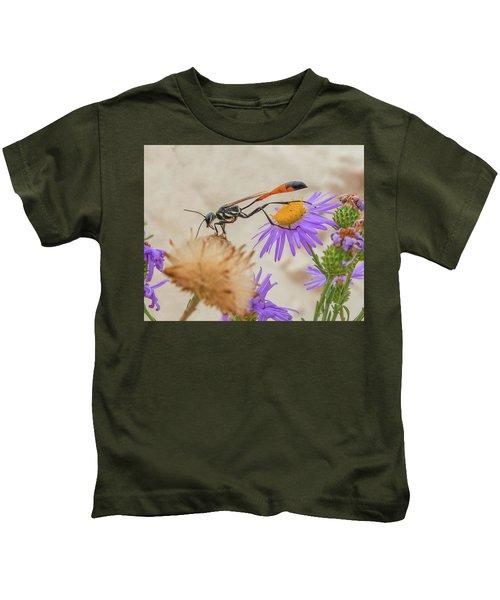 Wasp At White Sands Kids T-Shirt
