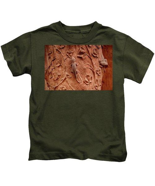 Whimsical And Lifelike Carvings On Heidelberg Castle Kids T-Shirt
