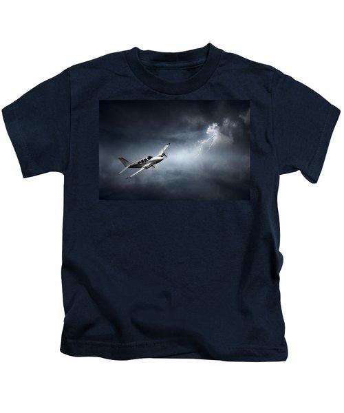 Risk - Aeroplane In Thunderstorm Kids T-Shirt