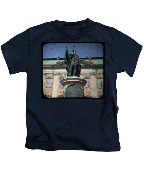 Anaglyph King Gustav Kids T-Shirt