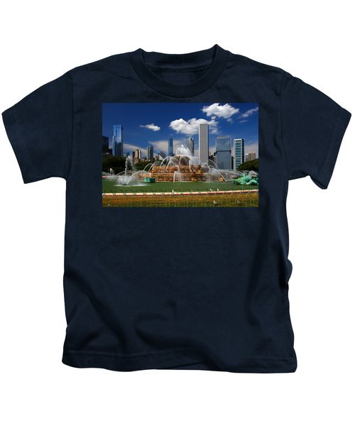 Chicago Skyline Grant Park Fountain Clouds Kids T-Shirt