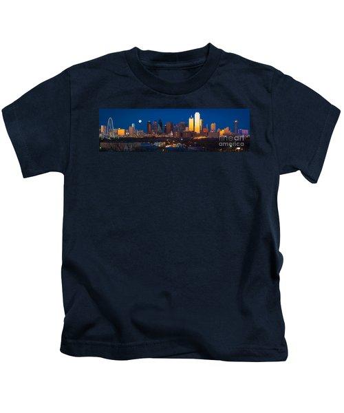 Dallas Skyline Panorama Kids T-Shirt by Inge Johnsson