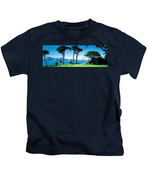 Golf Course W\ Golden Gate Bridge San Kids T-Shirt