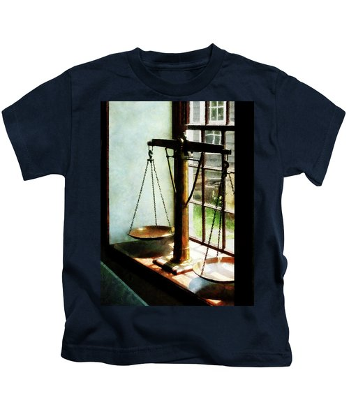 Lawyer - Scales Of Justice Kids T-Shirt