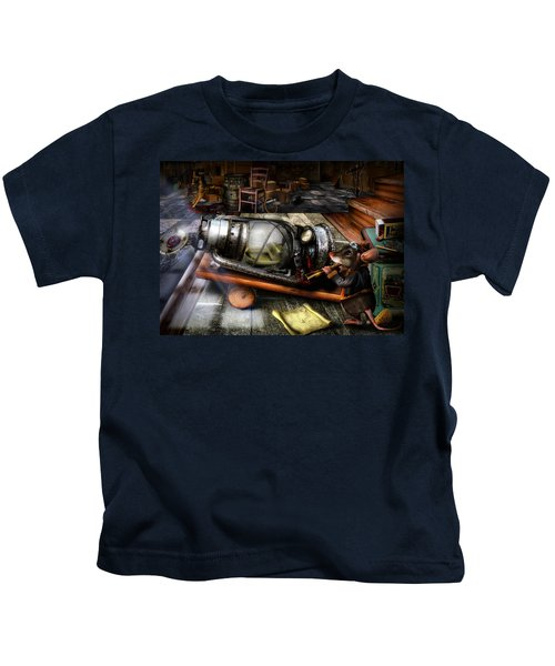 Little Mouse And The Moon Kids T-Shirt