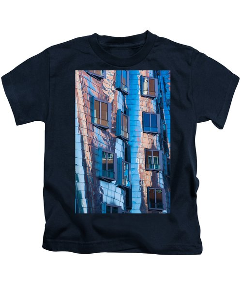 Low Angle View Of A Building, Neuer Kids T-Shirt