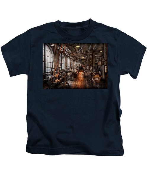 Machinist - A Fully Functioning Machine Shop  Kids T-Shirt
