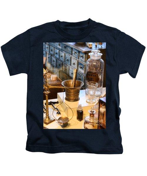 Pharmacist - Brass Mortar And Pestle Kids T-Shirt