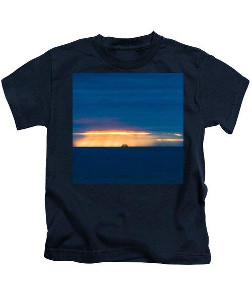 Ship On The Horizon Kids T-Shirt