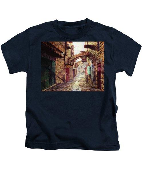The Road To The Cross  Jerusalem Kids T-Shirt