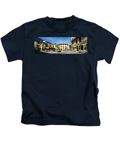 Tourists Sitting At An Outdoor Cafe Kids T-Shirt