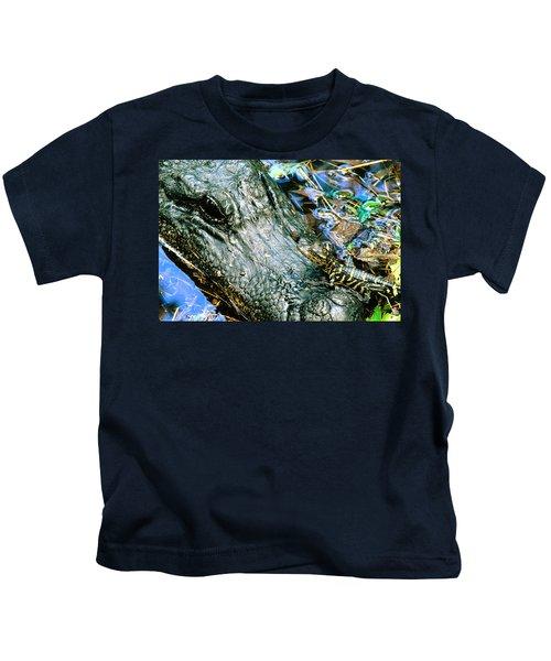 Female American Alligator And New Born Kids T-Shirt