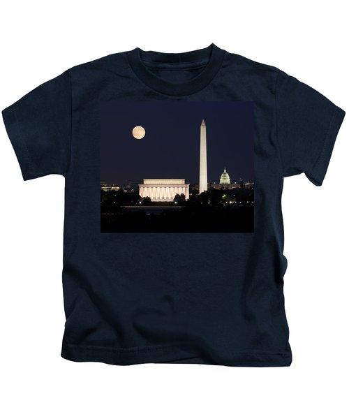Moon Rising In Washington Dc Kids T-Shirt