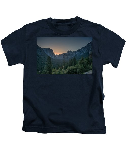 Yosemite Sunrise  Kids T-Shirt