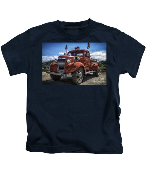 1940 Chevrolet Fire Truck  Kids T-Shirt