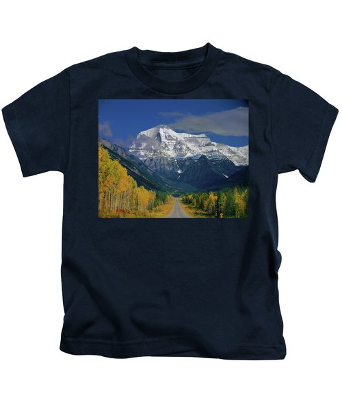 1m2441-h Mt. Robson And Yellowhead Highway H Kids T-Shirt