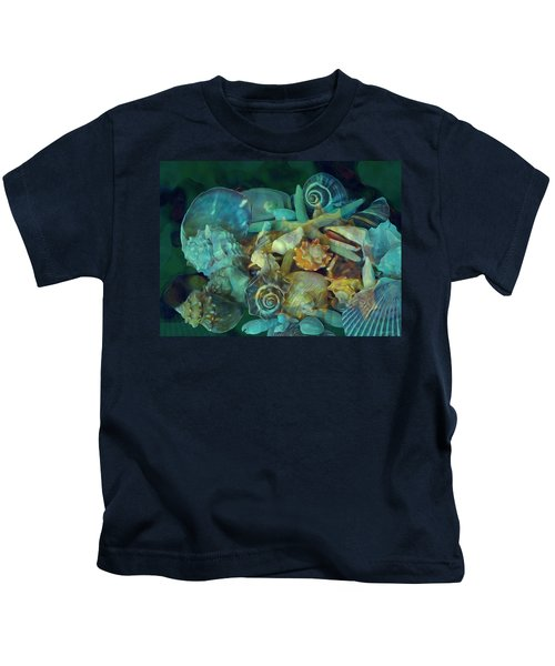 Beach Beauty 10  Kids T-Shirt