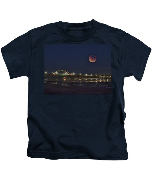 Blood Moon Over Alsea Bay Kids T-Shirt