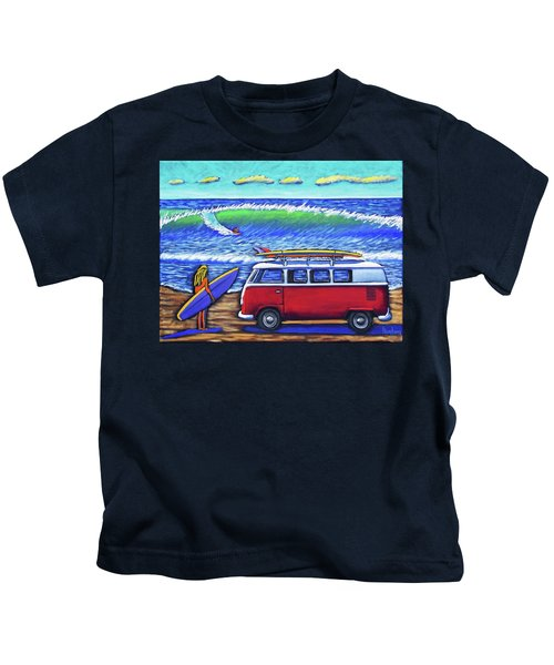 Checking Out The Waves Kids T-Shirt