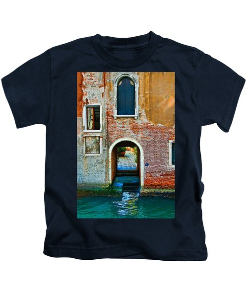 Dock And Windows Kids T-Shirt