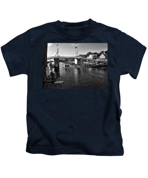 Heading To Sea - Perkins Cove - Maine Kids T-Shirt