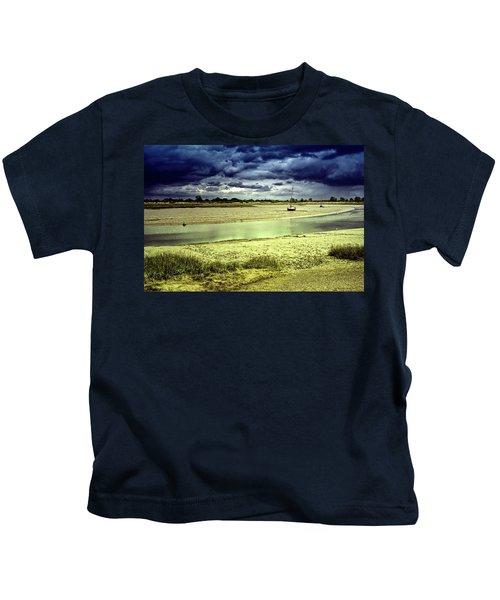 Maldon Estuary Towards The Sea Kids T-Shirt