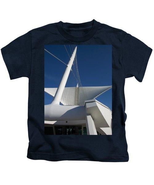Milwaukee Art Museum Cropped Kids T-Shirt