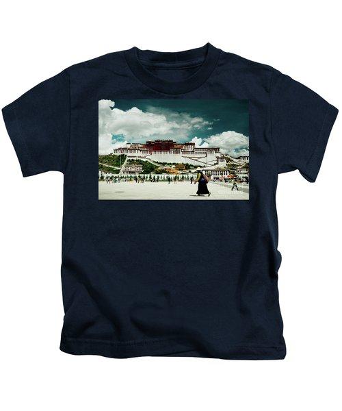 Potala Palace. Lhasa, Tibet. Yantra.lv Kids T-Shirt