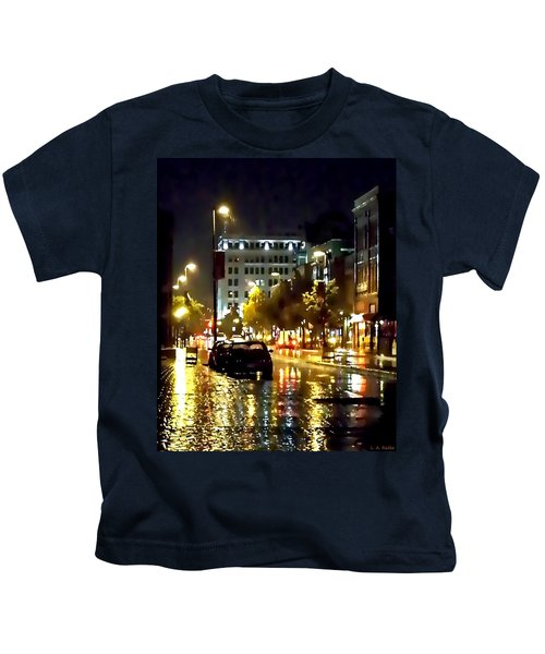 Rainy Night In Green Bay Kids T-Shirt