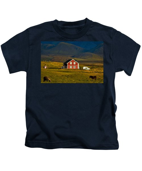 Red House And Horses - Iceland Kids T-Shirt