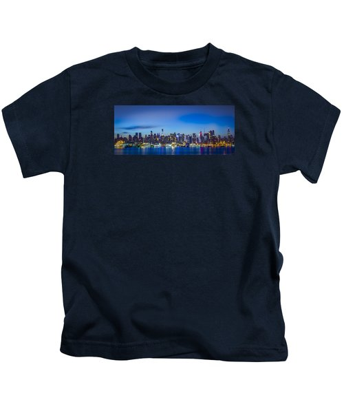 Skyline Nyc Before Sunrise Kids T-Shirt