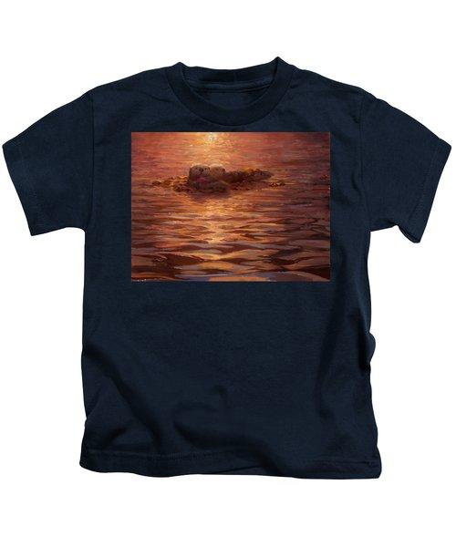 Sea Otters Floating With Kelp At Sunset - Coastal Decor - Ocean Theme - Beach Art Kids T-Shirt