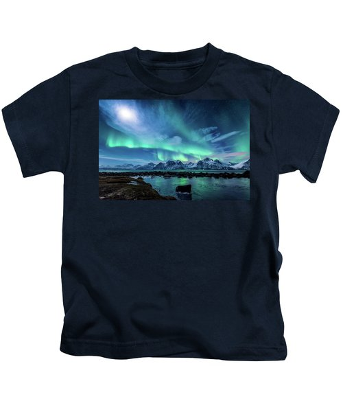When The Moon Shines Kids T-Shirt