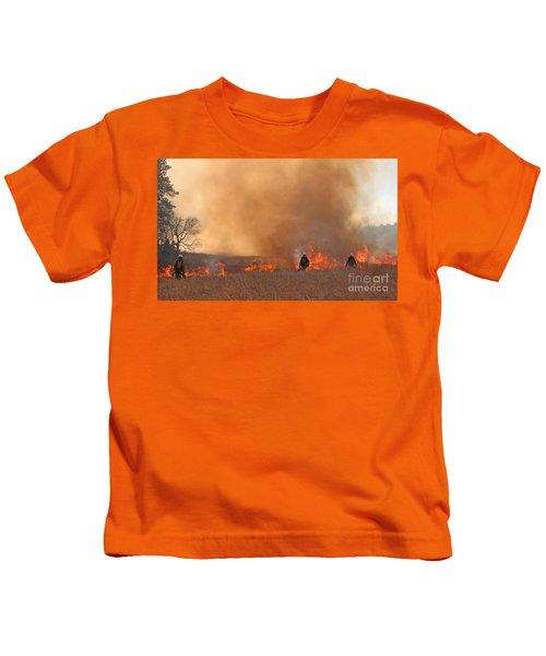 Alpine Hotshots Ignite The Norbeck Prescribed Fire. Kids T-Shirt
