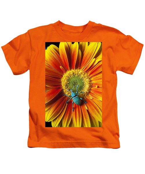 Boll Weevil On Mum Kids T-Shirt