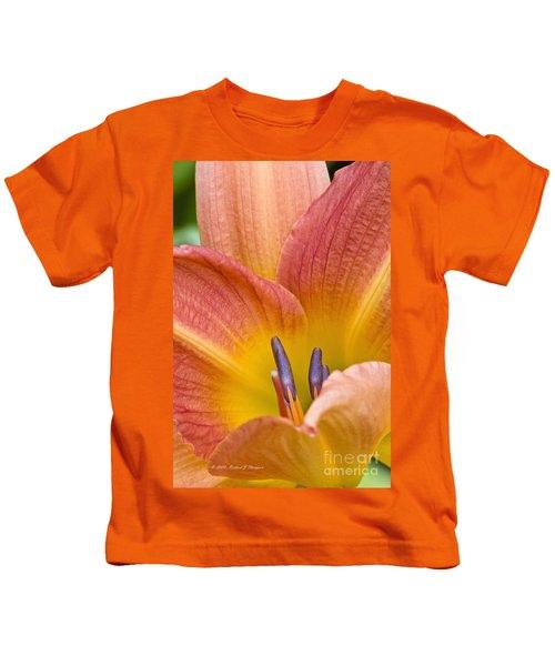 Day Lily  3 Kids T-Shirt