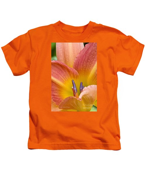 Day Lily  3 Kids T-Shirt