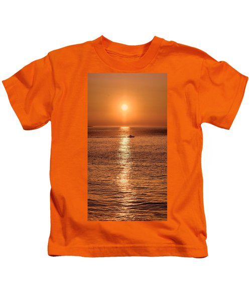 Kids T-Shirt featuring the photograph Ocean Sunrise At Montauk Point by William Jobes
