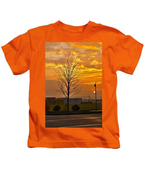 Retail Dawn Kids T-Shirt