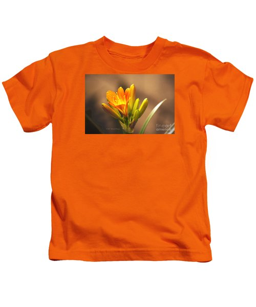Single Kaffir Lily Bloom Kids T-Shirt
