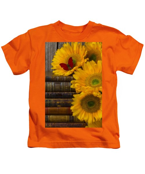 Sunflowers And Old Books Kids T-Shirt