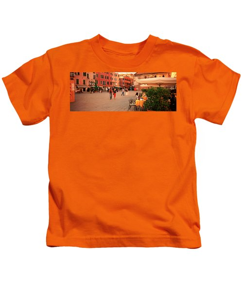 Tourists In A City, Venice, Italy Kids T-Shirt