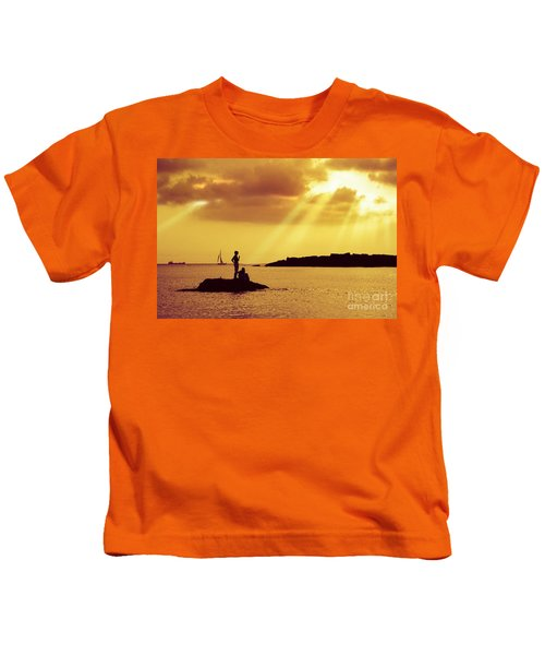 Silhouettes On The Beach Kids T-Shirt
