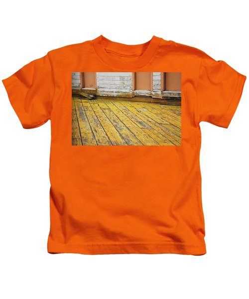 Weathered Monterey Building Kids T-Shirt