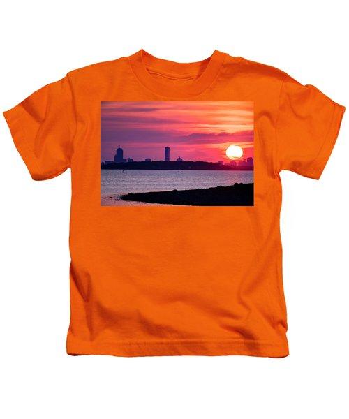 Boston Skyline Worlds End Kids T-Shirt