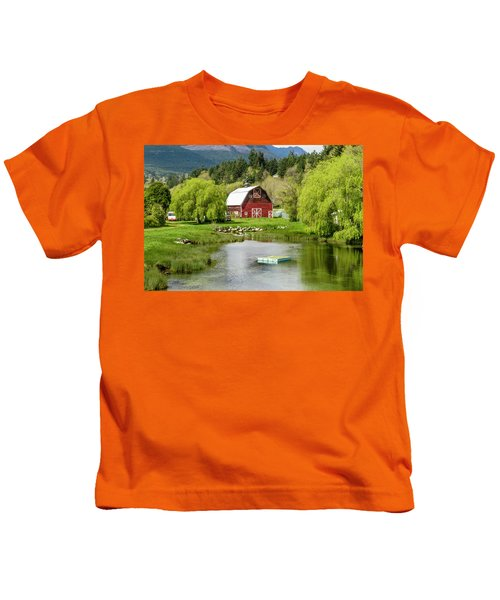 Brinnon Washington Barn By Pond Kids T-Shirt