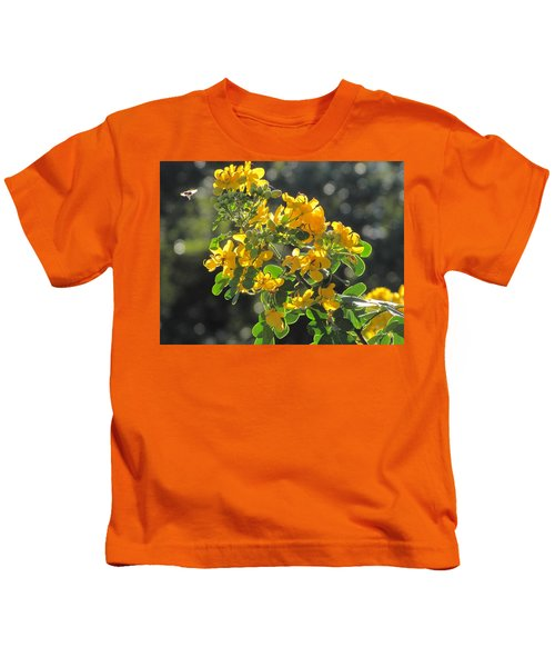 Catchlight Bee Over Yellow Blooms Kids T-Shirt