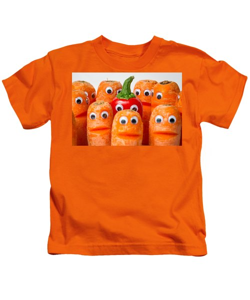 Chilli Hiding. Kids T-Shirt